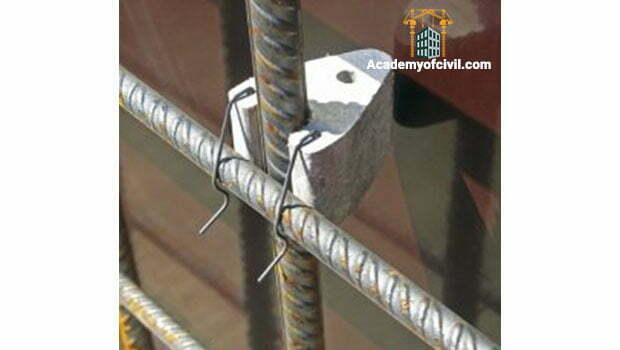 تامین کاور بتن به وسیله اسپیسرها در ستون بتنی