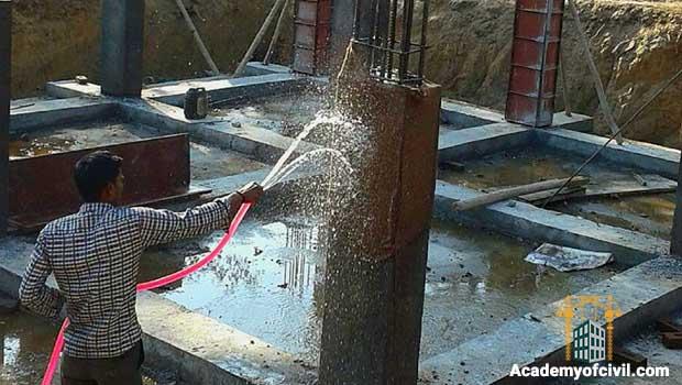 عمل آوری ستون بتنی با آب پاشی